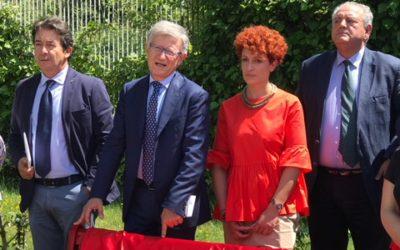 """Consiglio regionale, inaugurata la """"panchina rossa"""""""