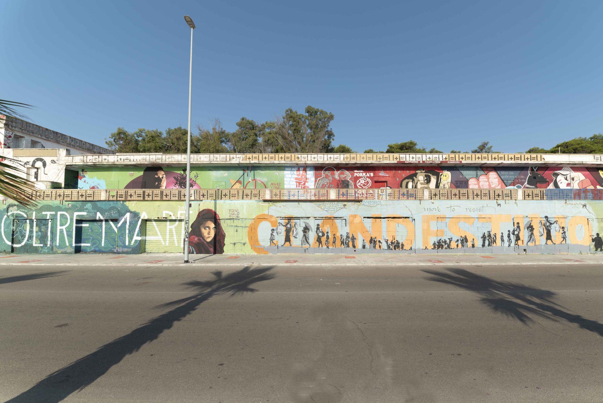 Clandestino - Foto di Walls Of Milano
