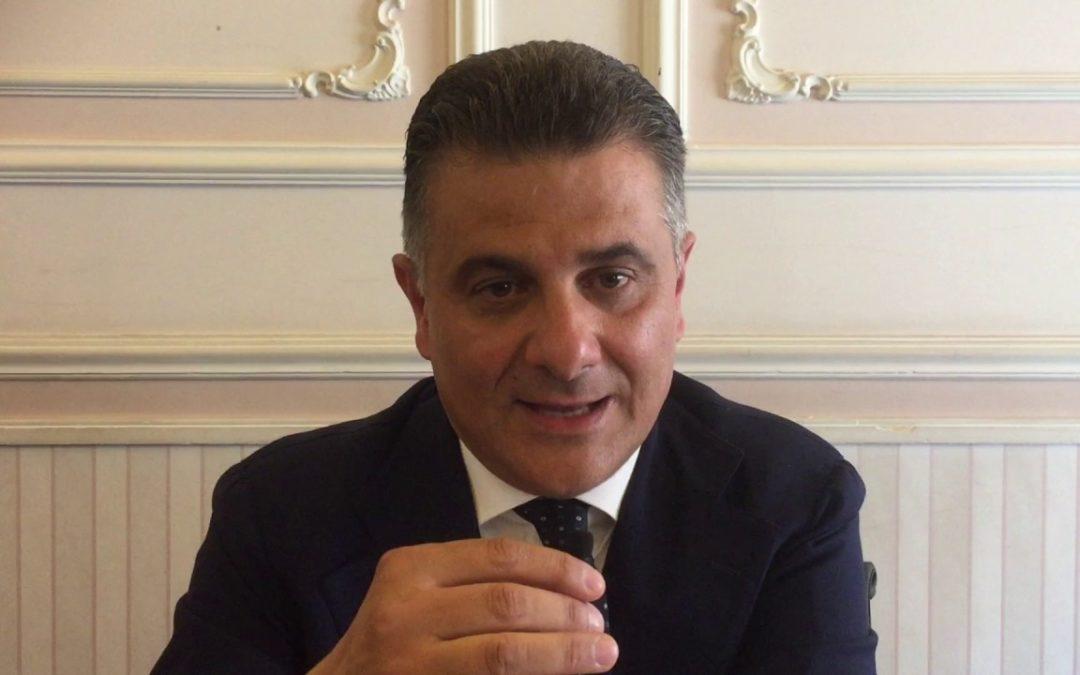 """Ospedale di Lagonegro, De Filippo a Piro: """"Sorrido"""""""