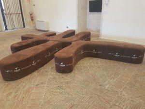 Il divano-logo di Matera 2019 a Palazzo Lanfranchi