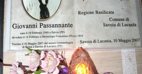 SPECIALE PASSANNANTE 2 – 17 Novembre 1878-17 novembre 2018: 140 anni dall'attentato al re Umberto I. L'OFFESA ALLA MEMORIA