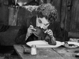 """""""La febbre dell'oro"""" - Charlot e il suo pasto"""
