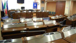 la Sala del Consiglio regionale di Basilicata ancora vuota