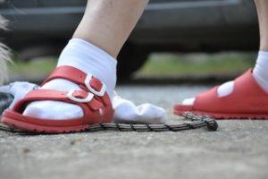 flash mob calzino e sandalo: Dettaglio