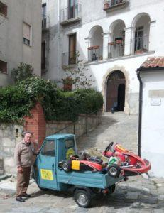 Ottavio Lauria e il suo Apecar... da paese e il suo go kart