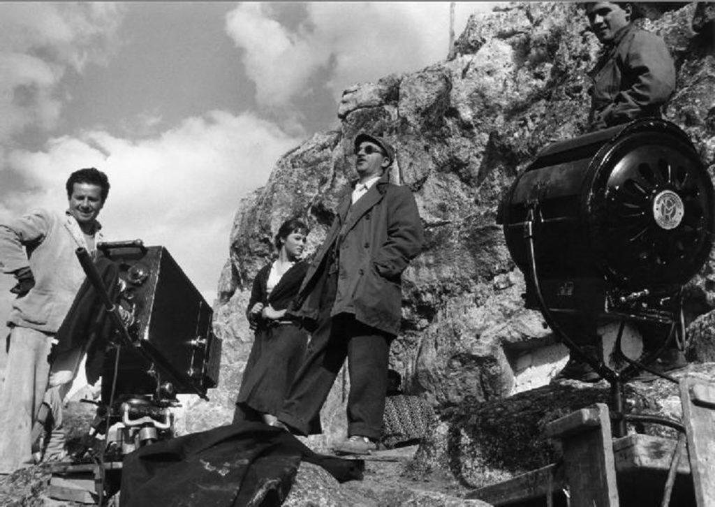 ALBERTO LATTUADA SUL SET 'LA LUPA' 1953