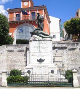 il monumento ai caduti di tito