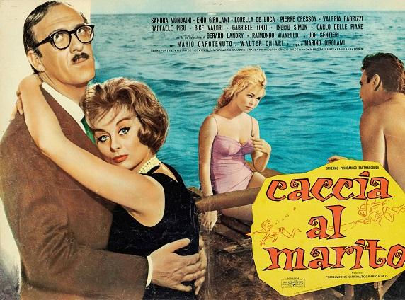 Tutti ar mare, tutti ar mare con il cinema in bikini