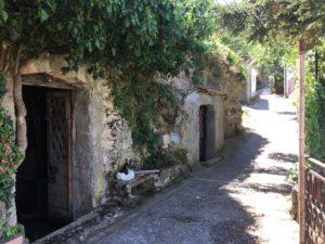 la via delle grotte a Chiaromonte