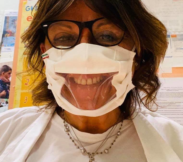 I sorrisi di Paola ai suoi pazienti non solo nel tempo del Covid-19: l'esempio che arriva da Chieti