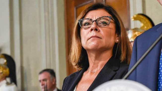"""ULTIMISSIMA!!! Il ministro De Micheli: """"Sgomenta come donna, Ferrara va rimosso!"""" e pensa al futuro"""