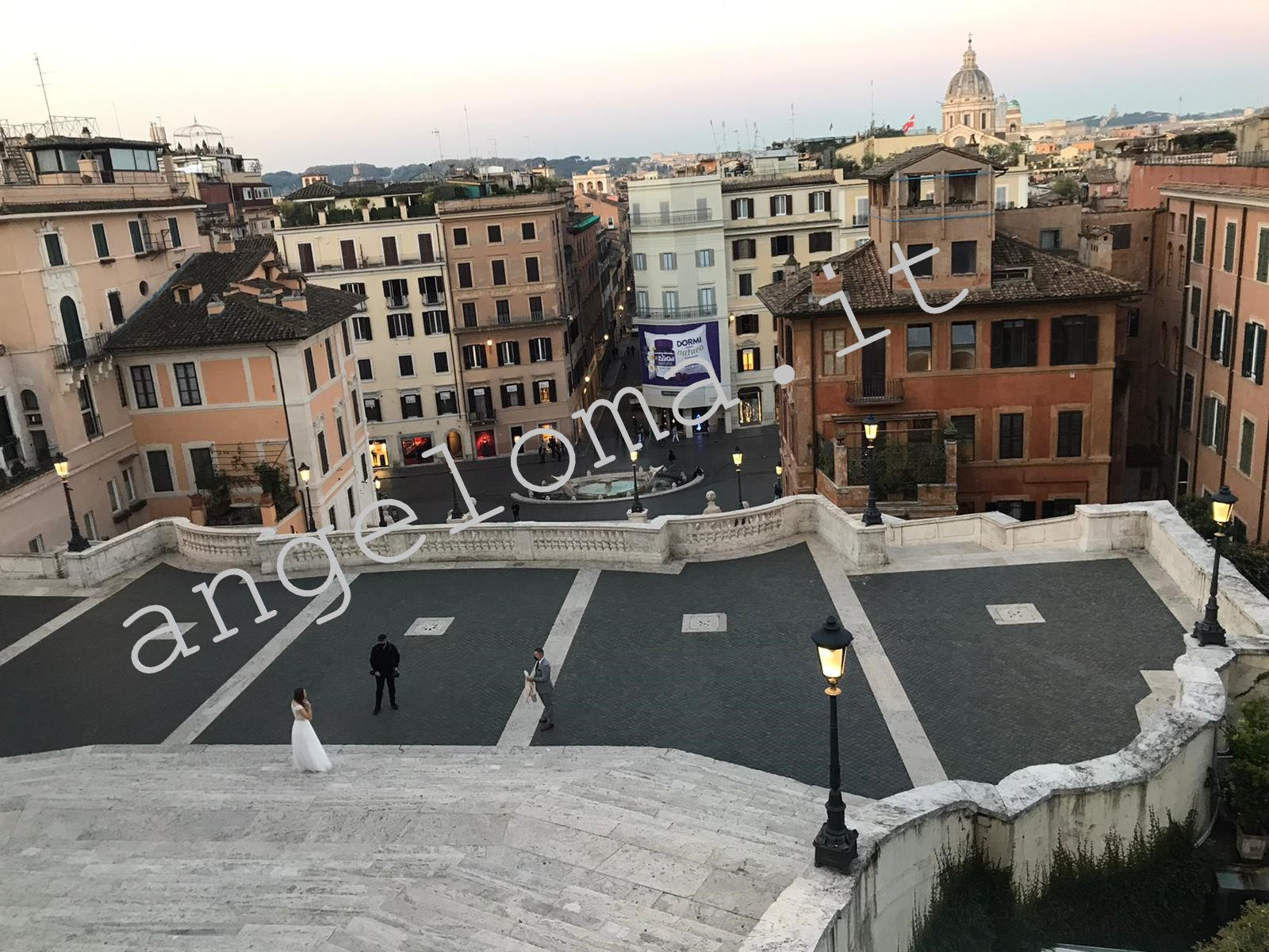 LA foto del matrimonio a Roma alle luci dell'alba (Ph.C.C.per Angeloma.it)