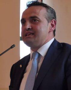 Il sindaco di Viggiano Amedeo Cicala